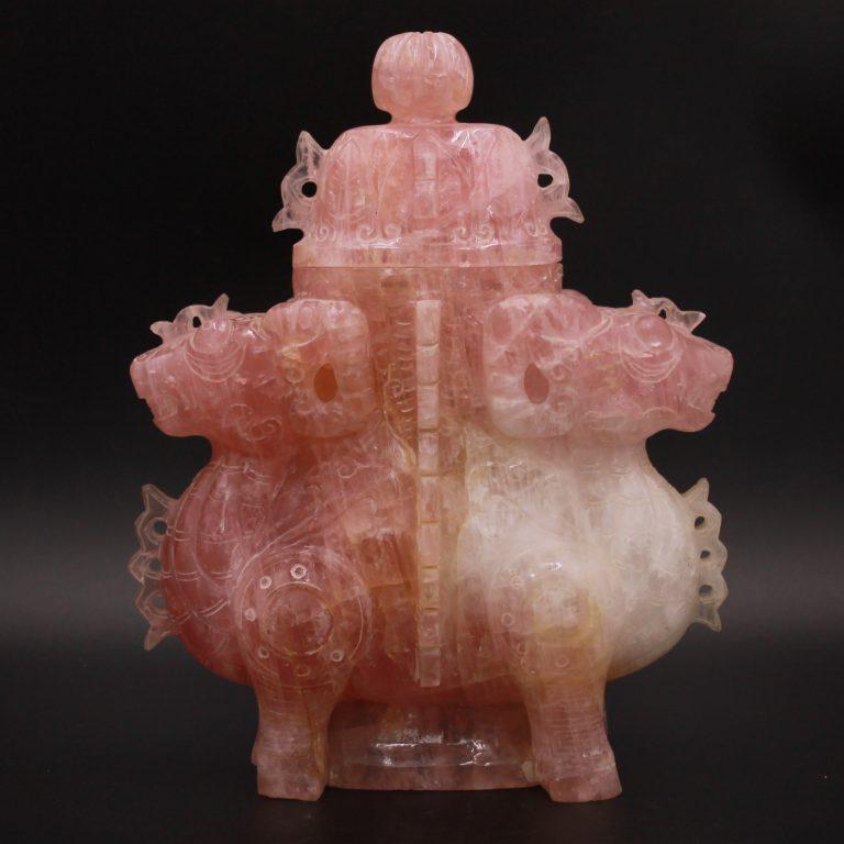 Sculpture en quartz rose